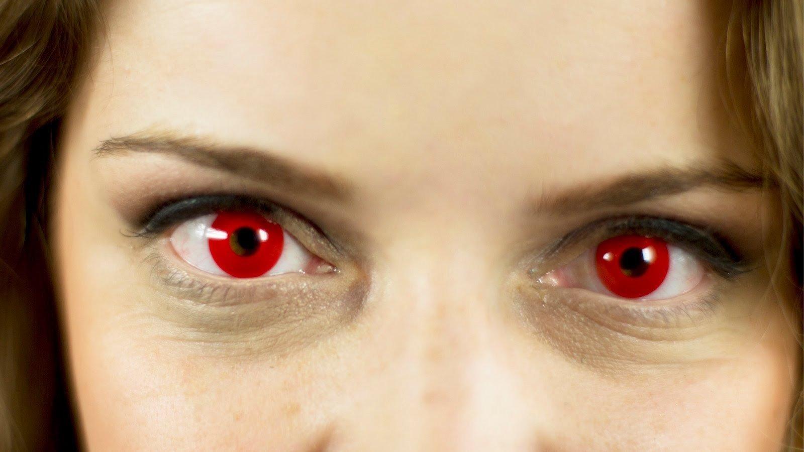как люди, красные глаза у человека фото небольшой территории уместилось