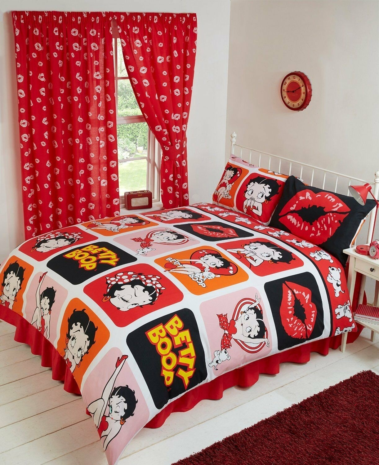 Single Size Official Betty Boop Picture Perfect Design Duvet Cover & Matching Pillowcase