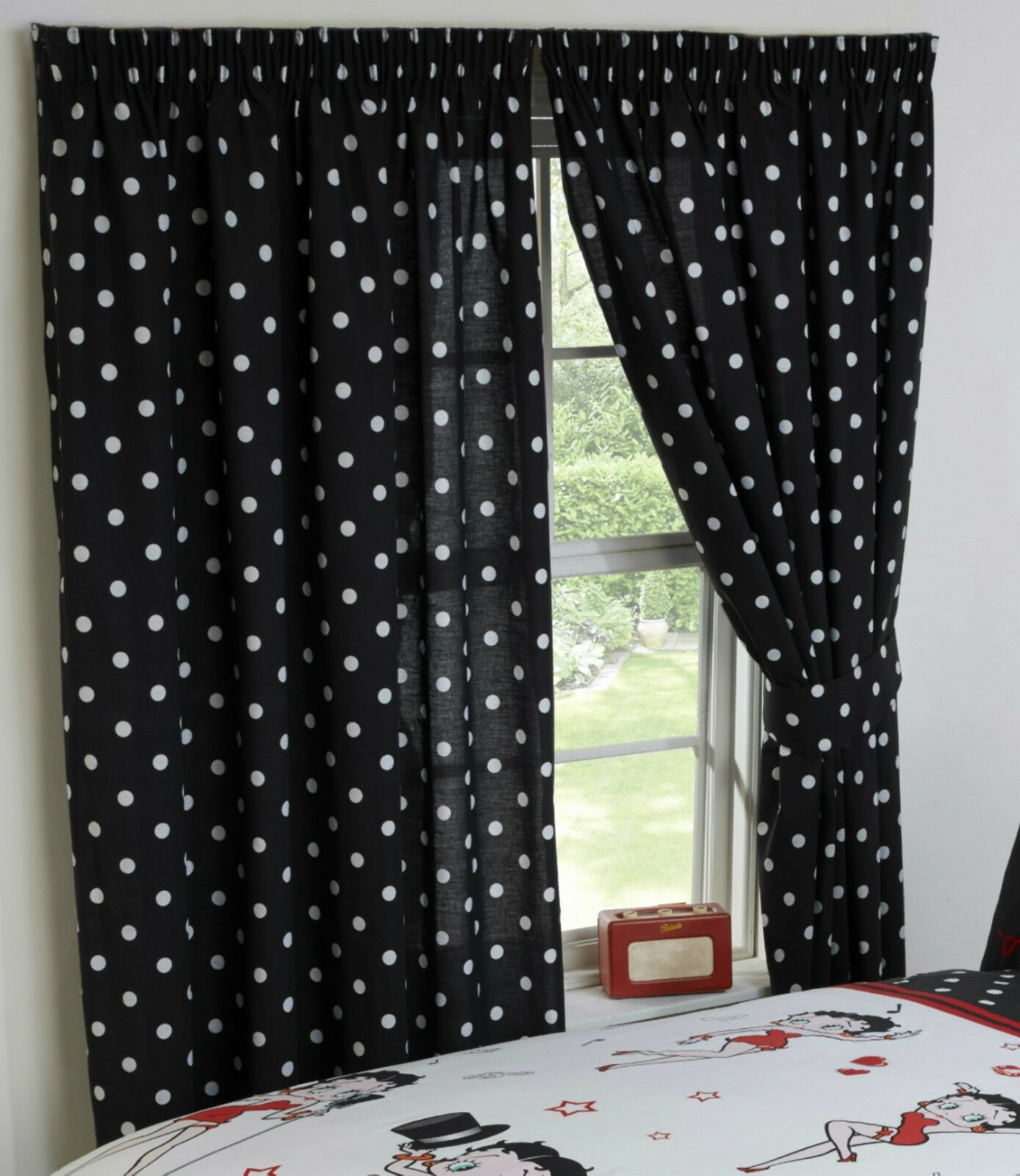 """66"""" x 72"""" Official Betty Boop Picture Superstar Design Curtains & Matching Tie Backs"""