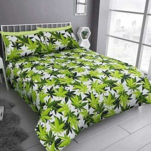 Double Size Cannabis Plant Leaves Design Green & White Duvet Cover & Matching Pillowcases