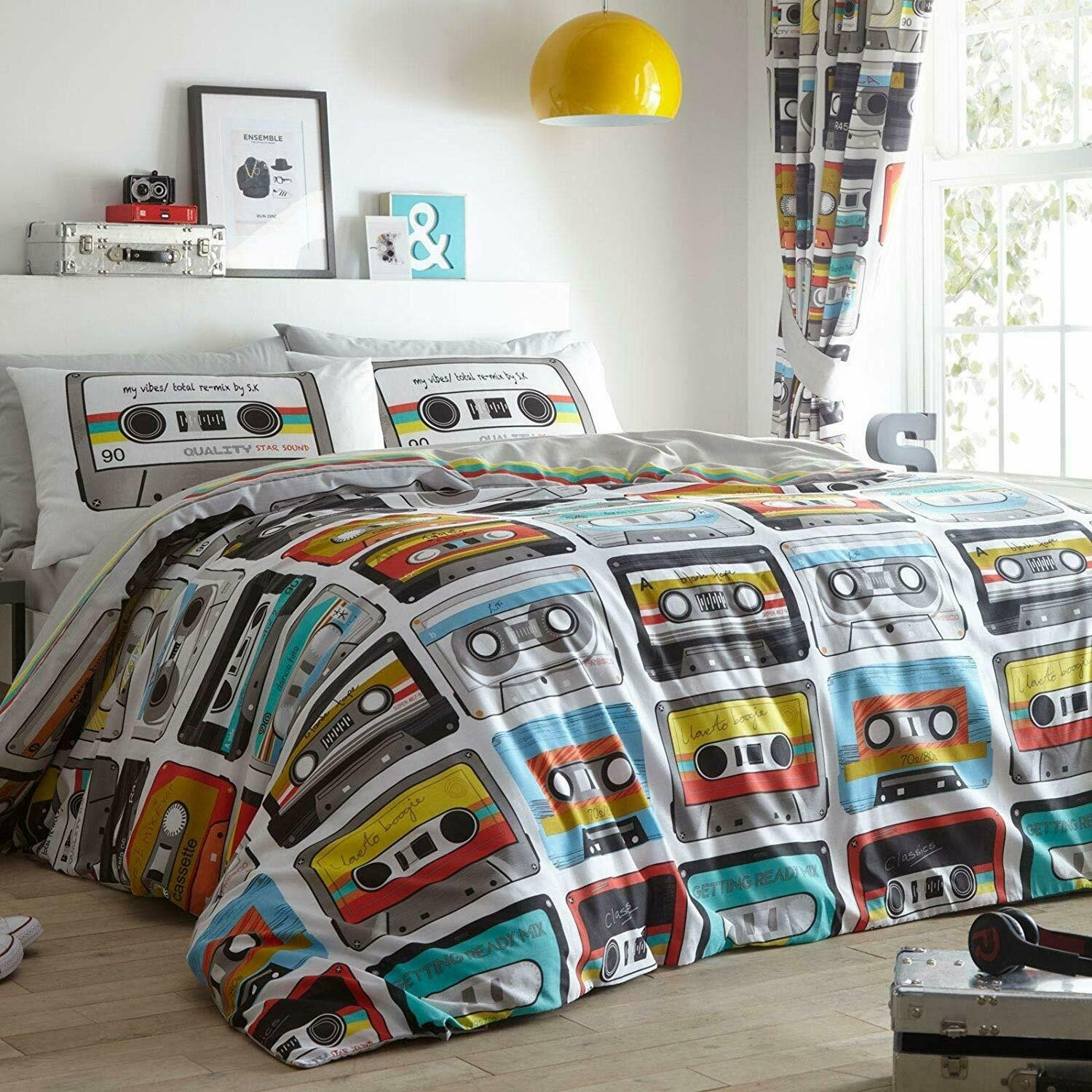King Size Retro Vintage 80s Music Cassette Tape Design Duvet Cover & Matching Pillowcases