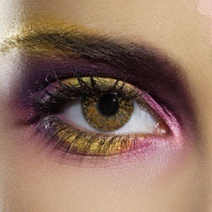 Edit's Glimmer Range Hazel Contact Lenses